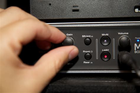 How to Set Up a Simple One Microphone Sound System: 7 Steps