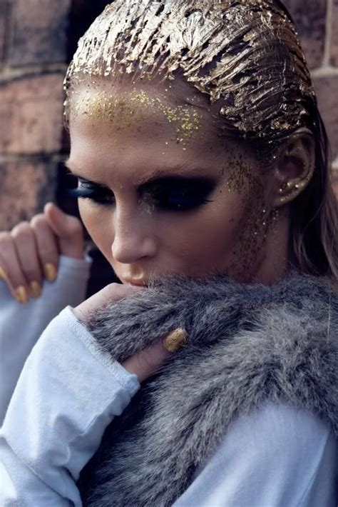 Inspiration of the Month – Gold Forever – Chic Stylista