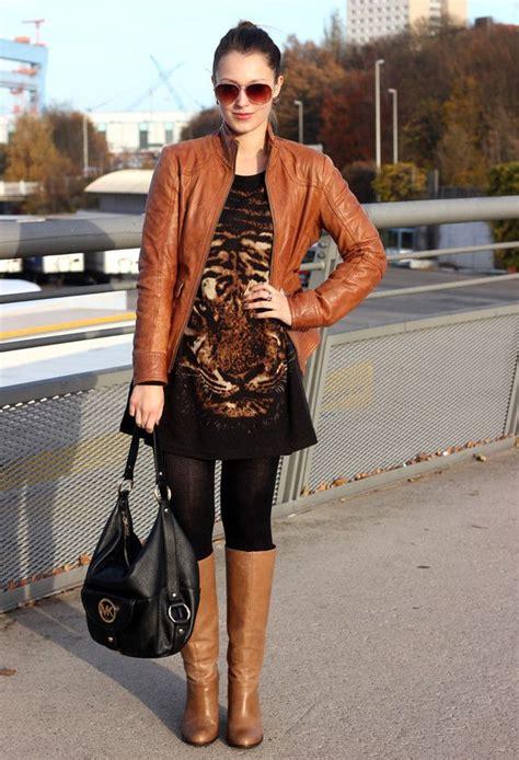 15 Winter Outfits With Brown Boots | Brown boots outfit