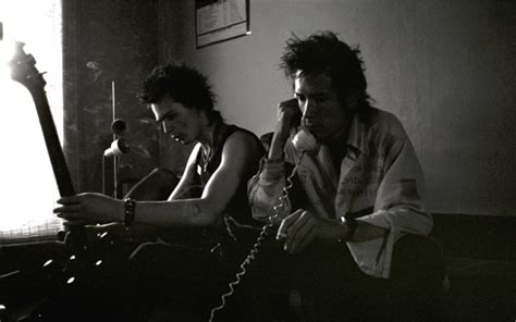 Rare Photos of Nancy And Sid Vicious At Johnny Rotten's