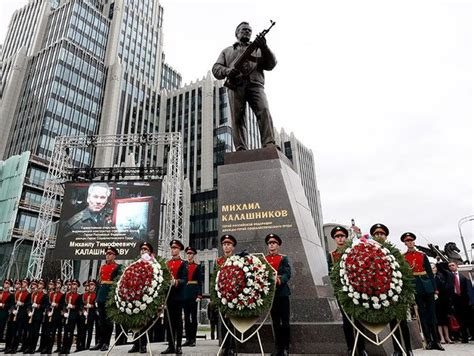 The Statue of Mikhail Kalashnikov is Unveiled in Moscow